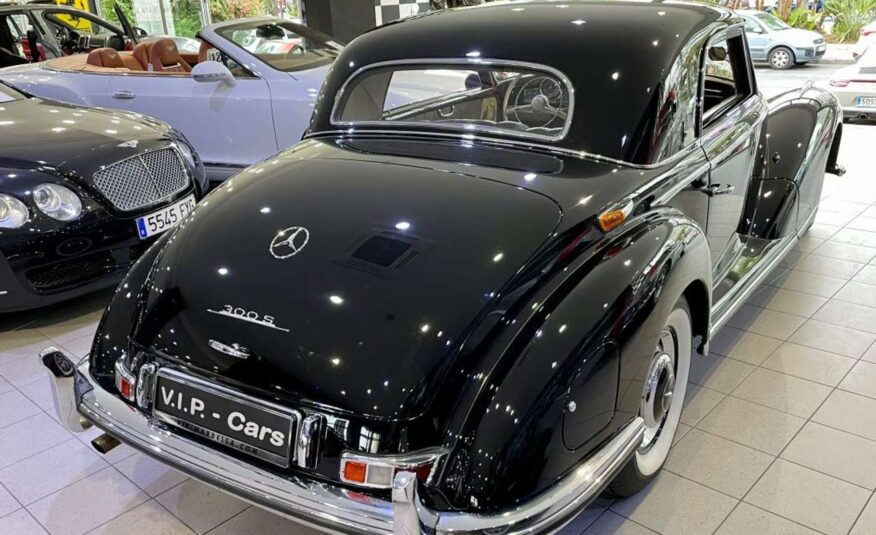 Mercedes-Benz 300 S Coupé (188)